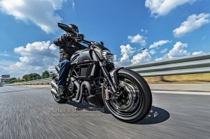 Ducati_Diavel-Carbon_00003