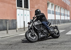 Ducati_Diavel-Carbon_00008