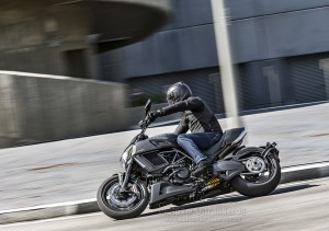 Ducati_Diavel-Carbon_00017