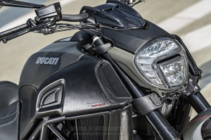 Ducati_Diavel-Carbon_00032