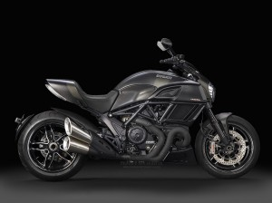 Ducati_Diavel-Carbon_00043
