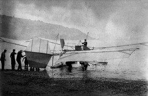 1914-Langley-Aerodrome-in-water-prior-to-launch